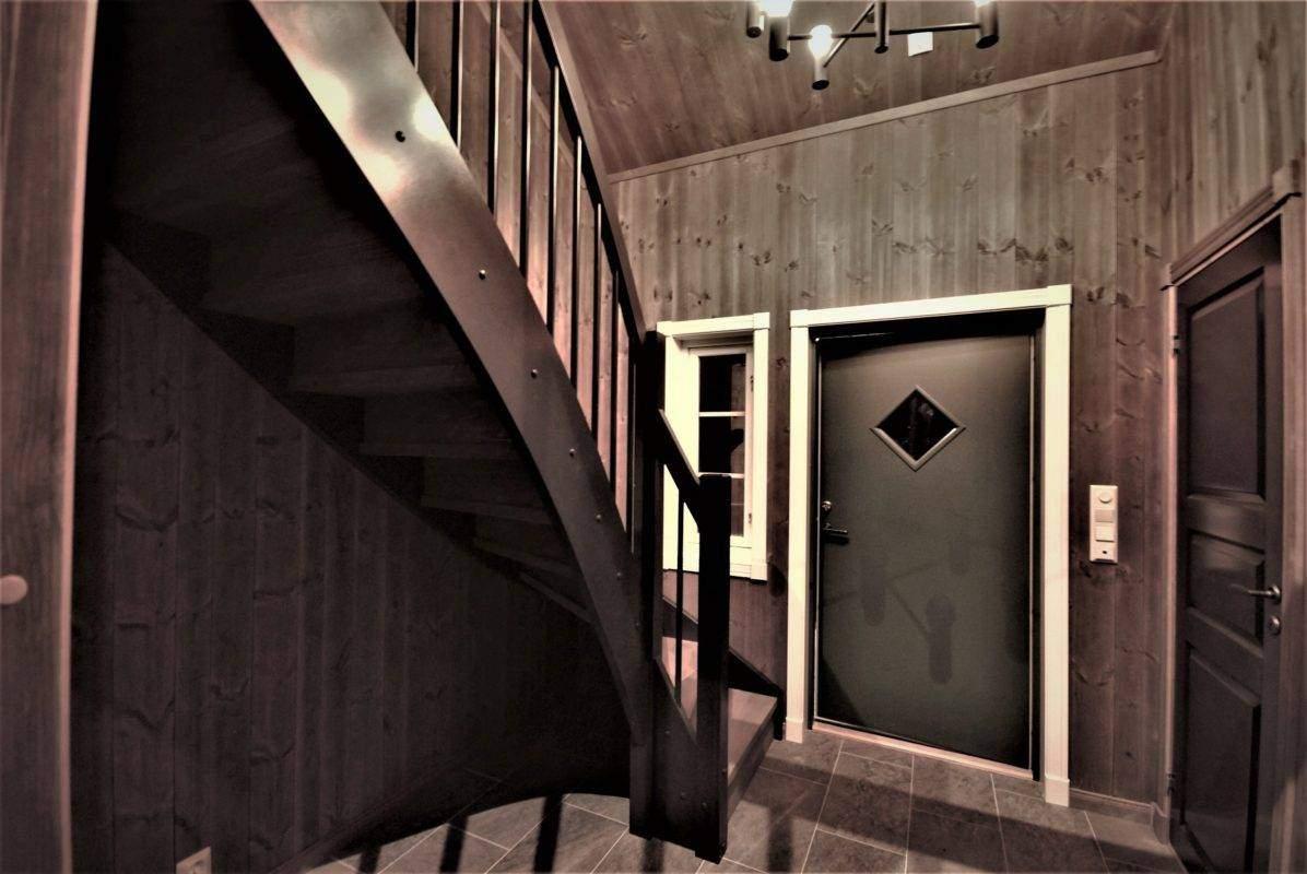 110 Hyttemodell Hytte Stryn 101 Oppdal – Entré med dør til bad-vask