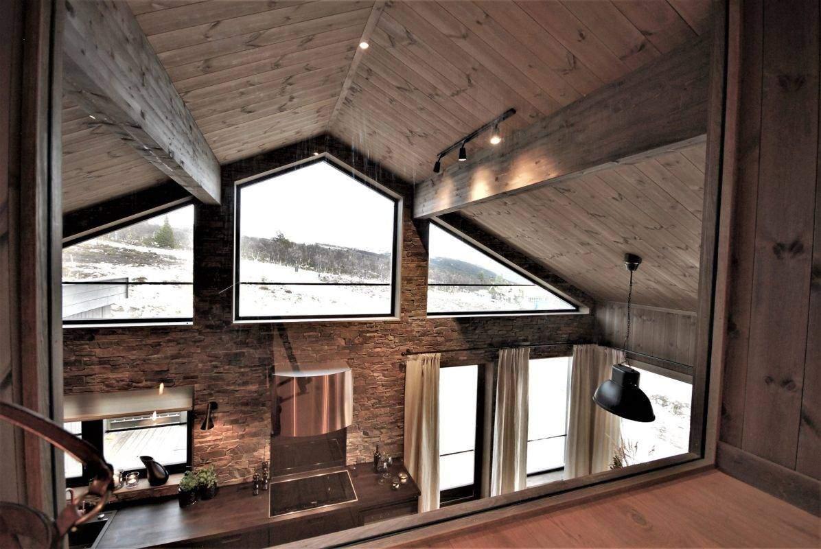 12 Hyttemodell Uvdal 145 – hems med glassvegg mot kjøkken
