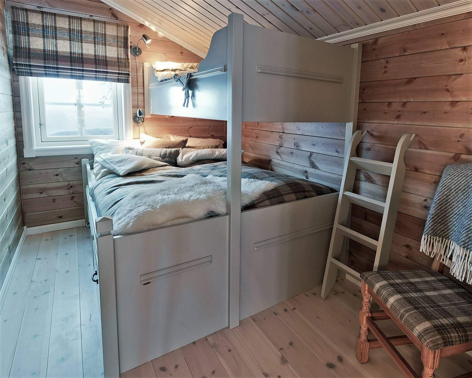 154 Hyttemodell Skeikampen 141. Soverom 4 på loftet.