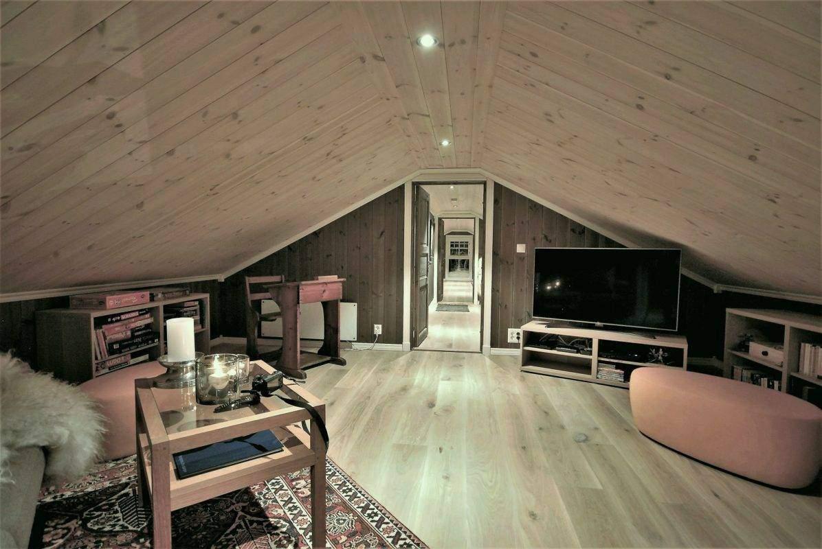 170 Hyttemodell Hytte Hemsedal 120 TV-aktivitetsrom på hems