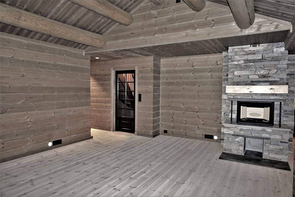68 Hyttemodell Hytte Stryn 101 Oppdal – Stua mot entrén og sov- og baderomsavdelingen