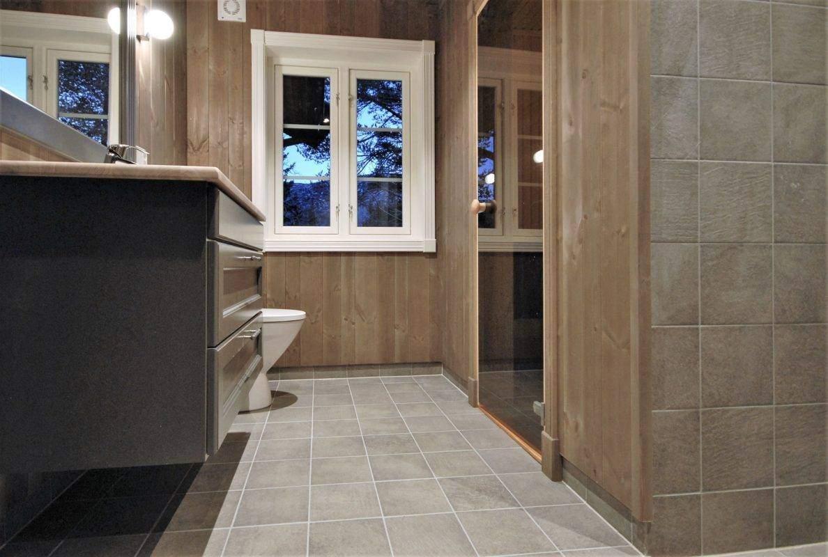 76 Hyttemodell Hytte Stryn 101 Oppdal – Hovedbadet med badstue