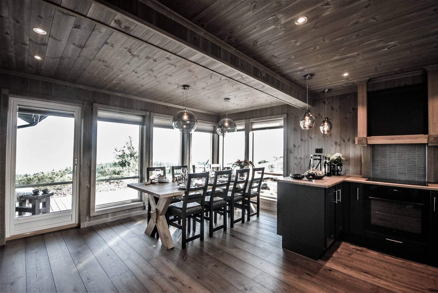 255 Hytteinteriør Hytteinspirasjon Storjuvtinden 114 på Nesbyen. Fantastisk naturopplevelse fra kjøkken og spiseplass